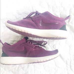 Purple Roshe Nike running shoes